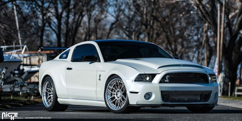 Ford Mustang/Vella